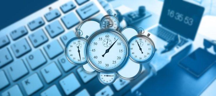パソコンと時計